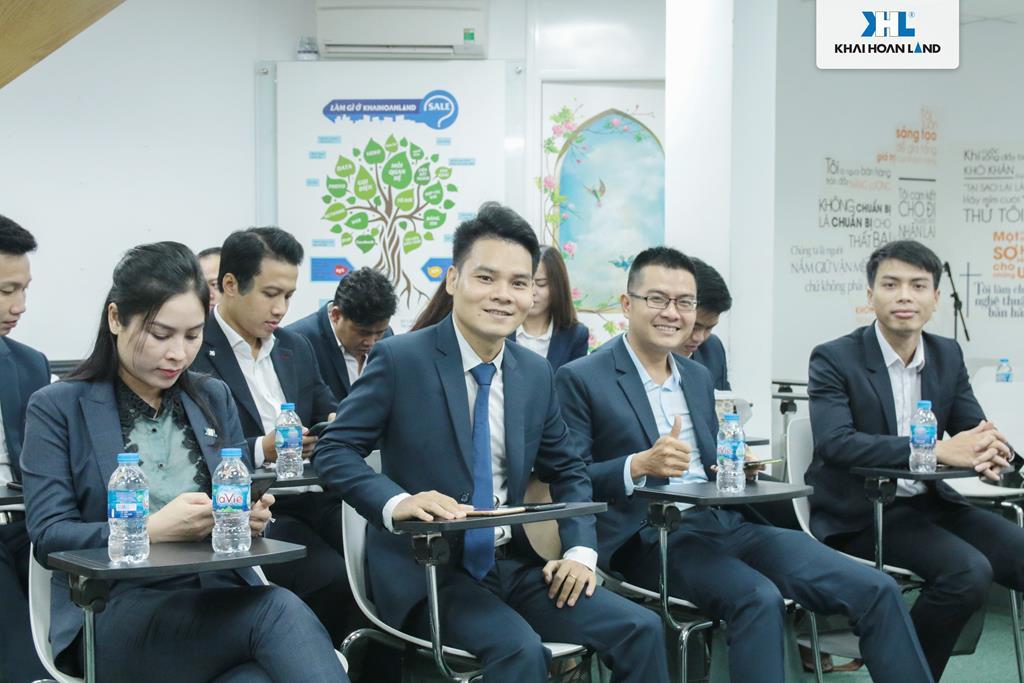 Khải Hoàn Land vinh danh khen thưởng đội ngũ kinh doanh xuất sắc Quý III/2020