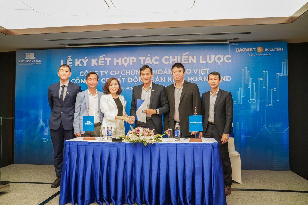 Khải Hoàn Land ký kết hợp tác chiến lược cùng Công ty Cổ phần Chứng khoán Bảo Việt và Trao thưởng cổ phiếu ESOP cho Cán bộ Nhân viên